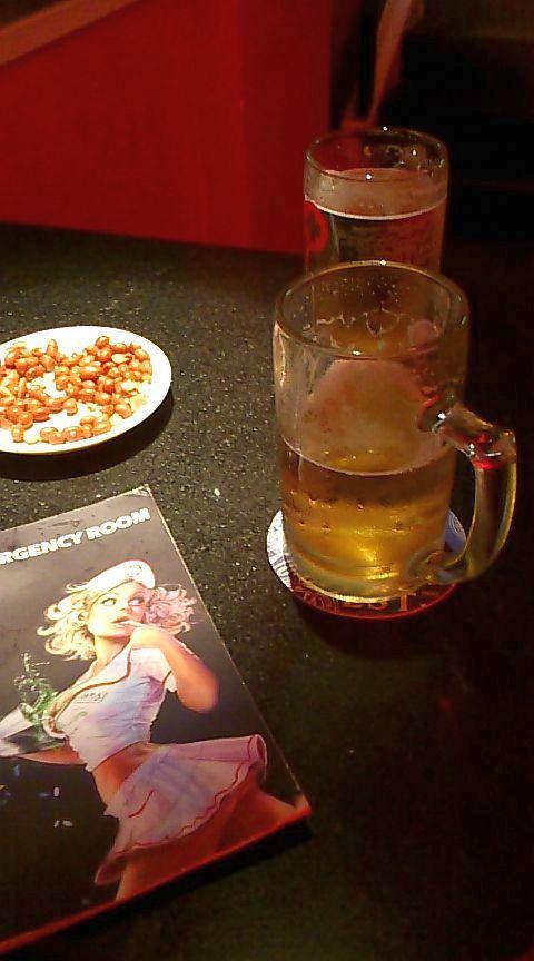 生ビールとつまみとメニュー