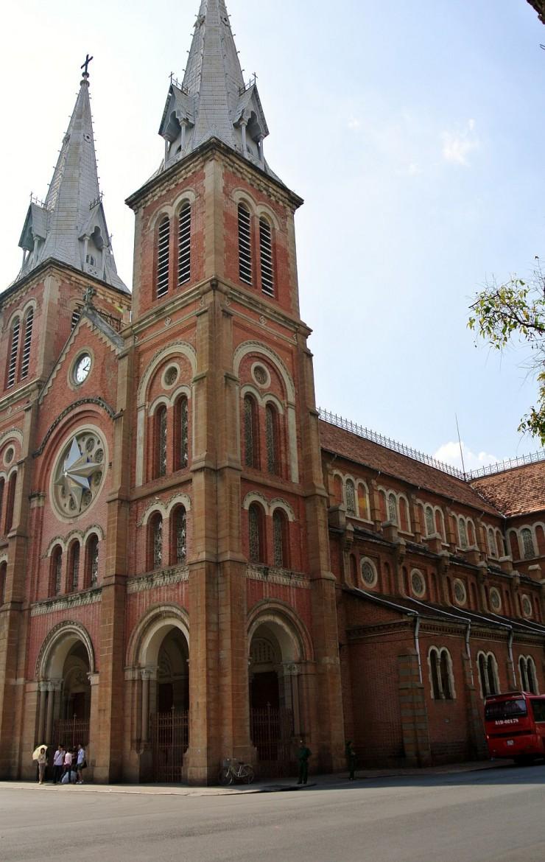 聖マリア大聖堂の側面