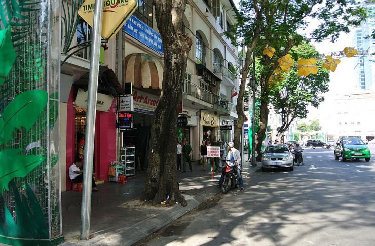 ベトナムのシャンゼリゼ通り・ドンコイ通り